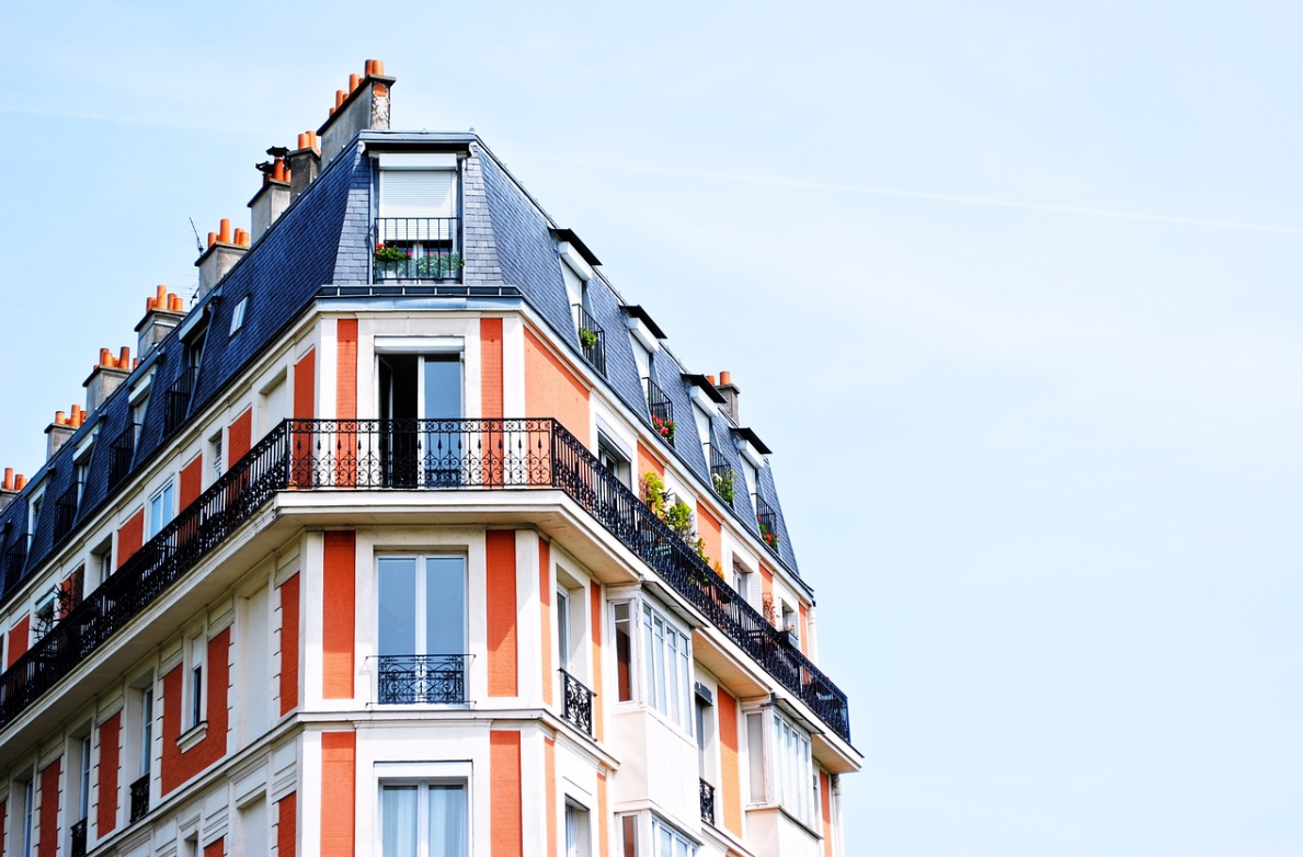 bytový dům a balkó