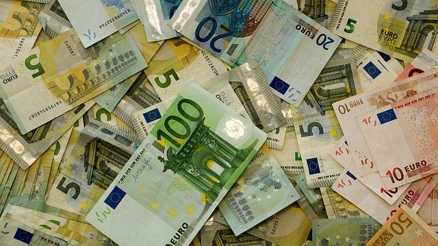 zamíchané bankovky